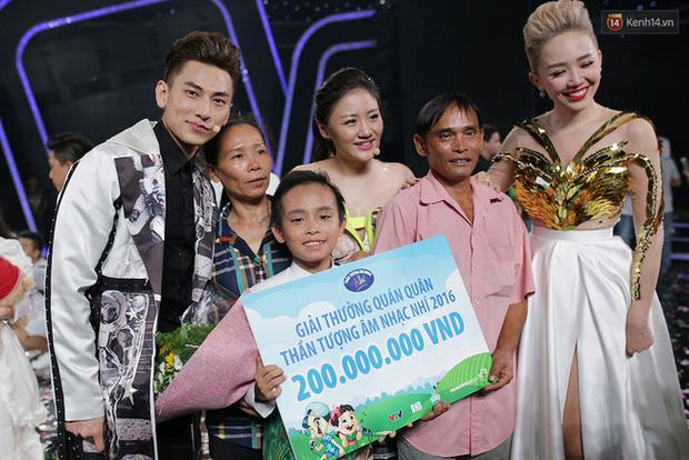 Cuộc sống đối lập của 2 Quán quân Vietnam Idol Kids: Hồ Văn Cường khó khăn thiếu thốn, Thiên Khôi tự chủ tài chính ở tuổi 16-1