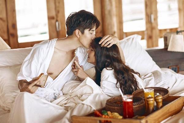 Chuyện phiếm trong quán cafe và sự thật sau những vấn đề chị em quan tâm: Đàn ông cũng có lúc muốn xin hàng trên giường ngủ-1
