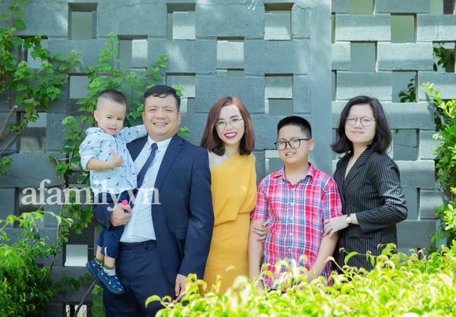 Nữ giám đốc ở Hà Nội nhàn tênh vì tôn chỉ thép trong việc dạy con: Trai hay gái đều phải xuống bếp, bố mẹ đi vắng con biết cách tự no bụng-1
