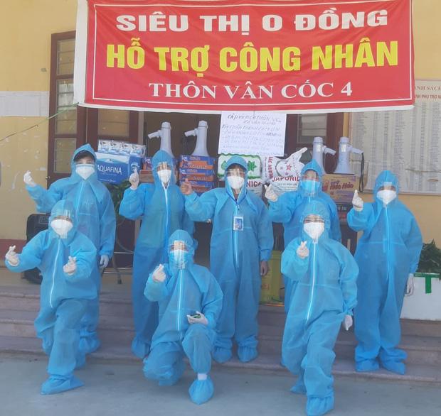 Giữa cái nắng 40 độ C ở tâm dịch Bắc Giang, nhóm tình nguyện viên vẫn lạc quan nhảy cổ vũ tinh thần chống dịch-2