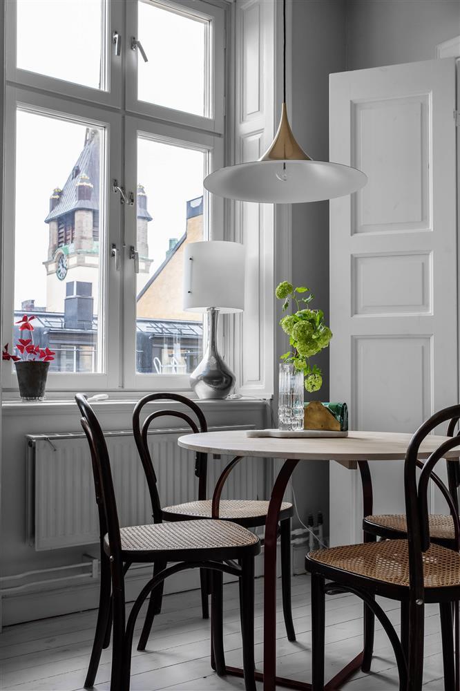 Sau nhiều năm tiết kiệm, cô gái trẻ đã mua được căn hộ 39m² và cải tạo thành không gian đẹp ngọt ngào-8
