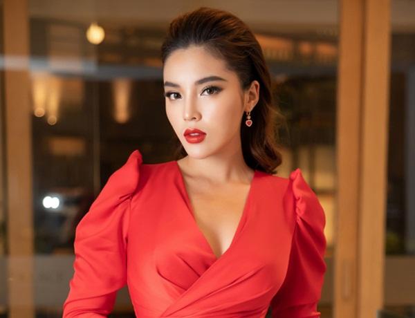 Điểm thi đại học của dàn sao Việt: Sơn Tùng M-TP thủ khoa, Tóc Tiên thủ khoa, riêng 1 Hoa hậu trung bình môn dưới 5 điểm-4