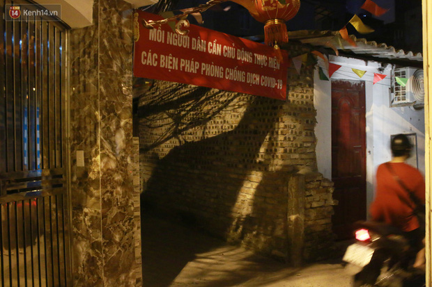 Nóng bủa vây cả đêm ở xóm chạy thận Hà Nội: Cả căn phòng cứ như cái lò nung, mỗi ngày chỉ ngủ được 2-3 tiếng-13