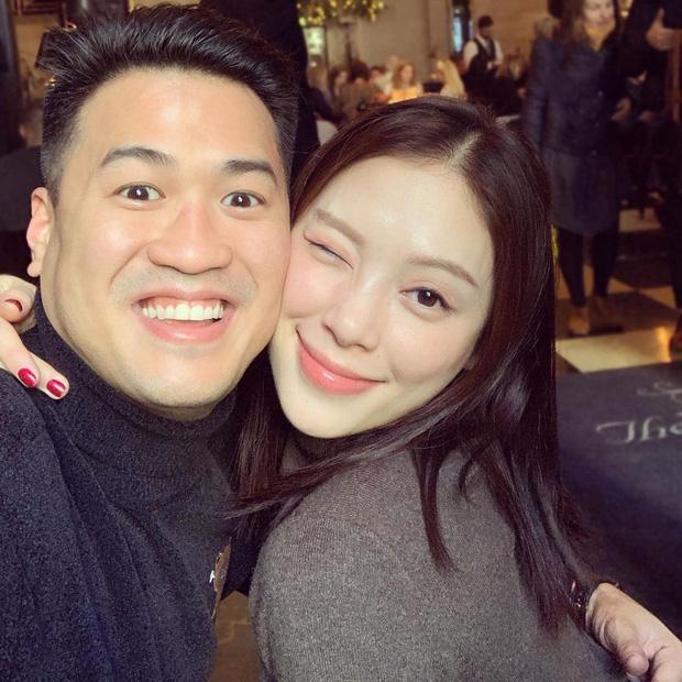 Thiếu gia nhà tỷ phú Johnathan Hạnh Nguyễn đăng ảnh chị ninja lạ mặt, hóa ra chính là bạn gái Linh Rin-1