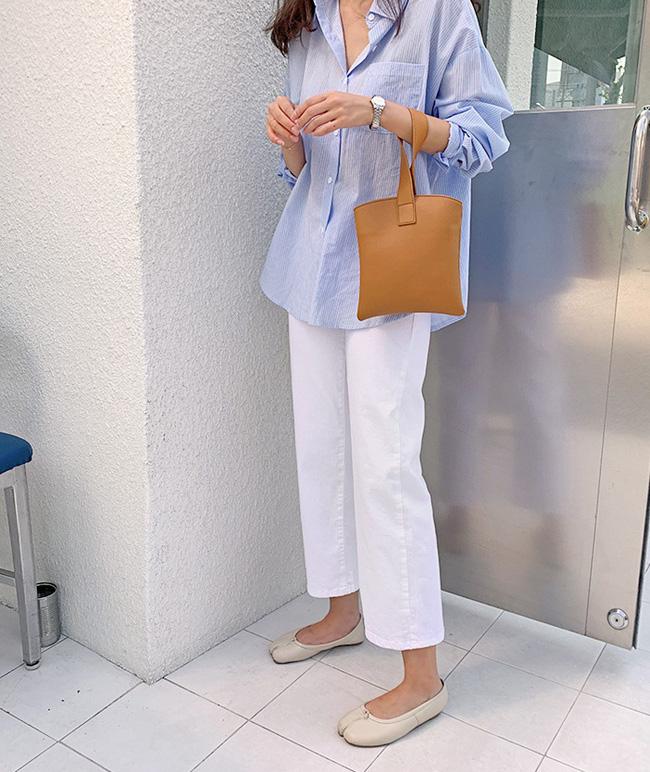 Hè diện quần trắng cho mát nhưng để sành điệu không chê được điểm nào, bạn nên ghim 12 cách mặc của gái Hàn-3