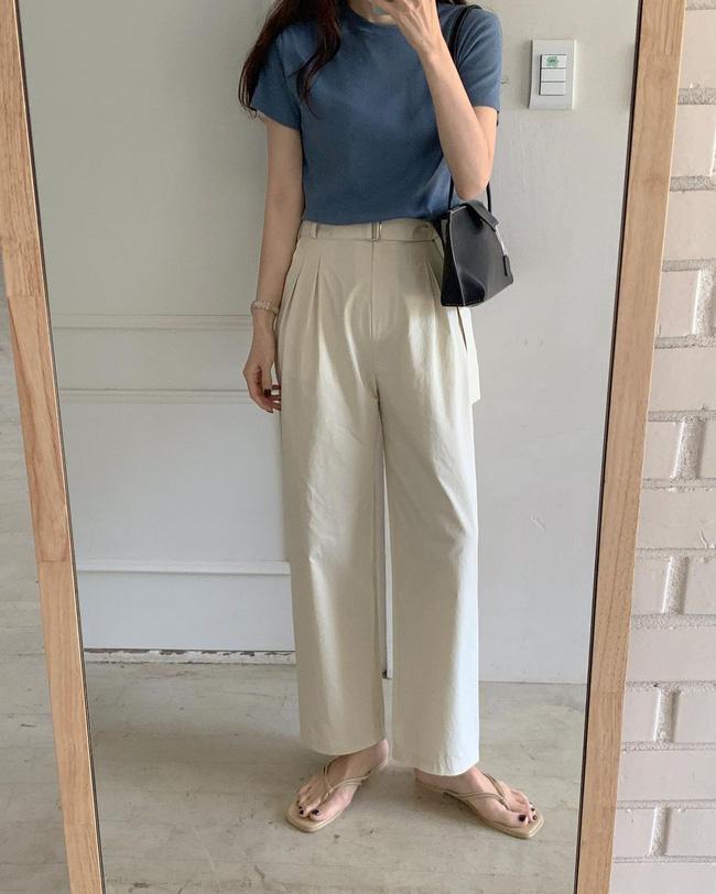 Hè diện quần trắng cho mát nhưng để sành điệu không chê được điểm nào, bạn nên ghim 12 cách mặc của gái Hàn-12
