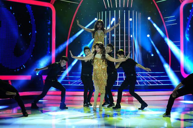 Clip sốc Phương Mỹ Chi nhảy múa sexy trên truyền hình bị đào lại nhưng vẫn được fan bênh vực vì lý do này-5