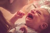Được mẹ chồng chỉ cách dỗ con nín 'trong một nốt nhạc', bà mẹ gục ngã nghe thông báo con trai 8 tháng bị bại não
