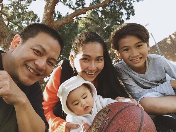 """Điểm mặt những ông bố dượng vàng"""" trong làng Vbiz: Kim Lý và con trai Hồ Ngọc Hà thân thiết không rời, Ưng Hoàng Phúc kèm con trai vợ học mỗi ngày-12"""