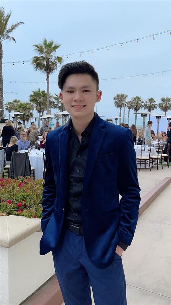 Con trai 18 tuổi điển trai, học giỏi của Bằng Kiều và Trizzie Phương Trinh-5