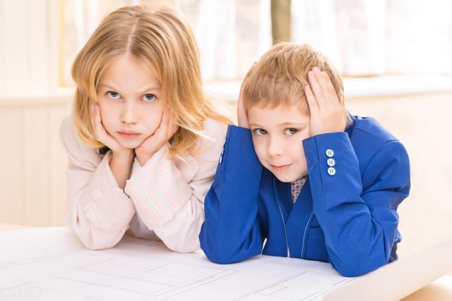 Cha mẹ có EQ thấp thường mắc phải 4 hành vi này, vì thế con cái họ nuôi dạy cũng khó có được EQ cao-1