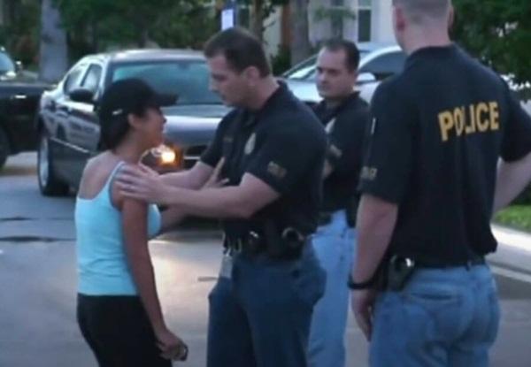 Nhận tin chồng bị giết, vợ ngã quỵ trước cửa nhà diễn màn kịch hoàn hảo với cảnh sát trước khi bị người chết quay về vạch mặt-5