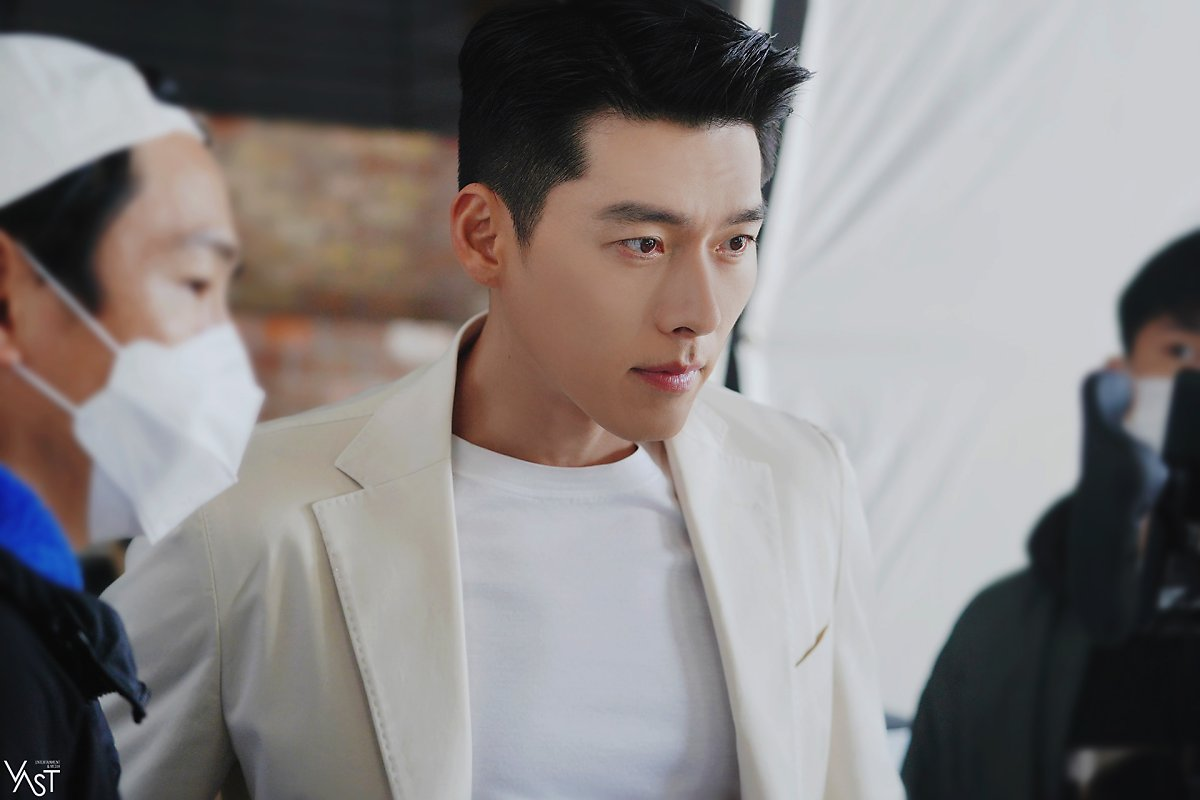 Hyun Bin lộ diện mạo ở tuổi U40 trong hình chưa chỉnh sửa, liệu còn đẹp xuất sắc?-3