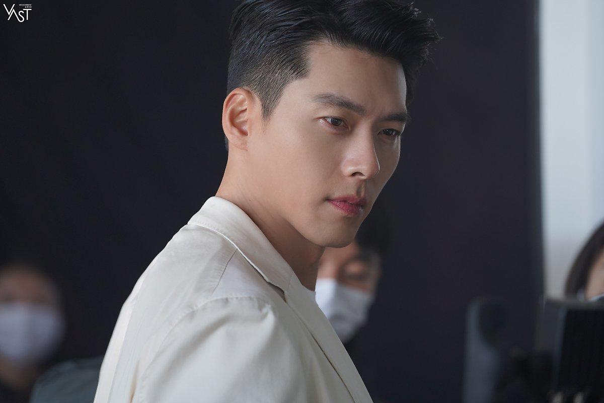Hyun Bin lộ diện mạo ở tuổi U40 trong hình chưa chỉnh sửa, liệu còn đẹp xuất sắc?-2