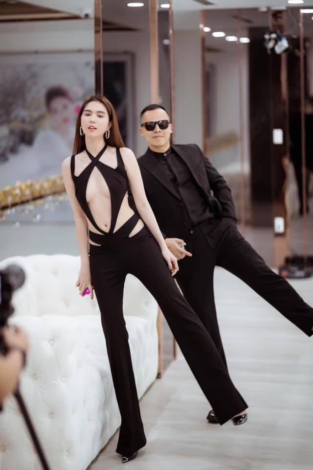 Ngọc Trinh diện bodysuit trong suốt, mặc như không khoe 70% cơ thể-2