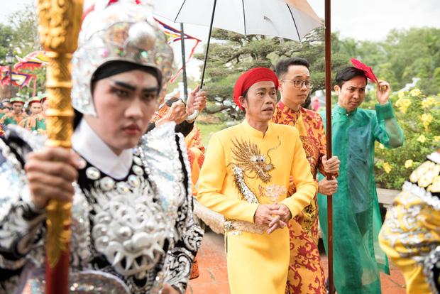 Giữa ồn ào Nhà thờ Tổ, NS Hoài Linh bị netizen soi lại BST trầm hương trị giá trăm tỷ toàn từ gỗ hiếm trong phòng riêng-9