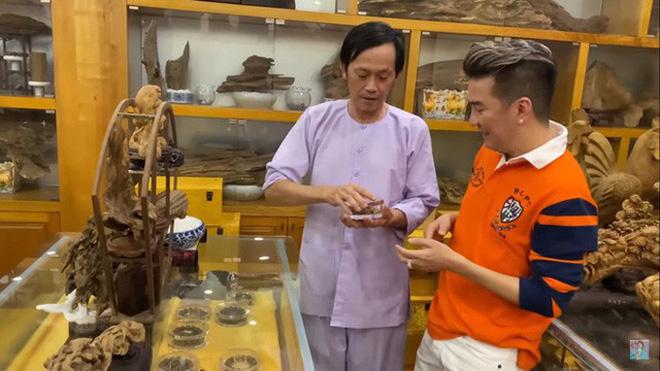 Giữa ồn ào Nhà thờ Tổ, NS Hoài Linh bị netizen soi lại BST trầm hương trị giá trăm tỷ toàn từ gỗ hiếm trong phòng riêng-7