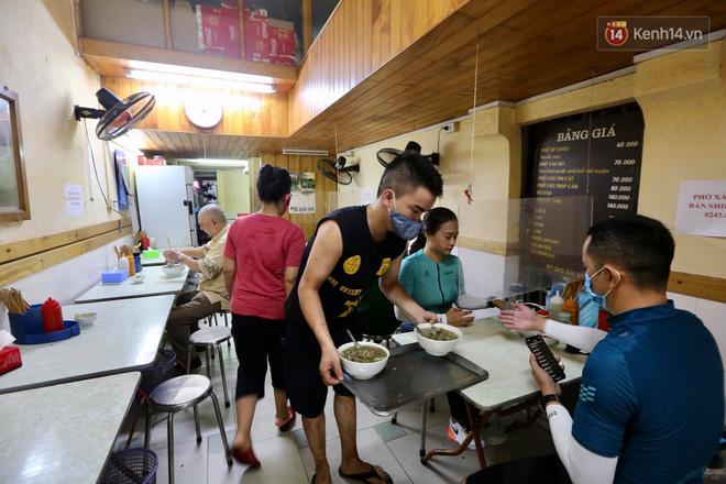Hôm nay, ngày toàn dân Hà Nội đi ăn phở-10
