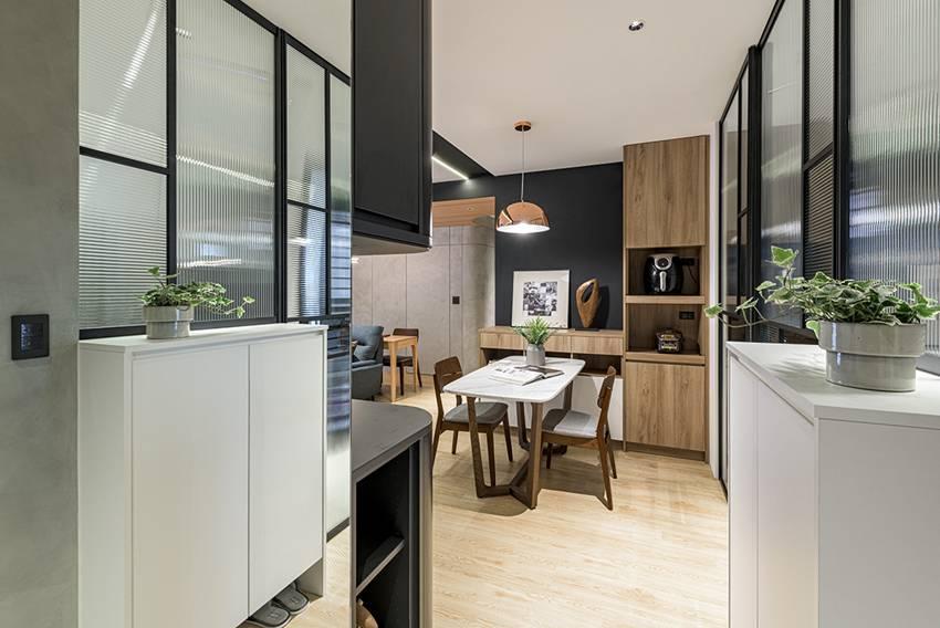Ngôi nhà với lối thiết kế thông minh, chi tiết gây ấn tượng mạnh là phòng ngủ thiết kế đằng sau tủ quần áo-4