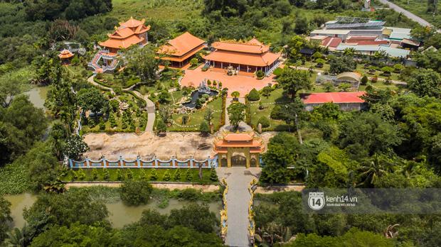Toàn cảnh Nhà thờ Tổ 100 tỷ của NS Hoài Linh: Trải dài 7000m2, nội thất hoành tráng sơn son thếp vàng, nuôi động vật quý hiếm-3