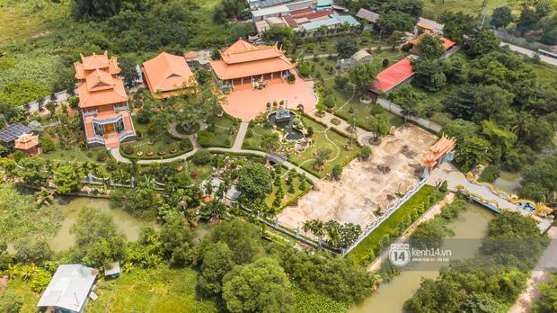 Toàn cảnh Nhà thờ Tổ 100 tỷ của NS Hoài Linh: Trải dài 7000m2, nội thất hoành tráng sơn son thếp vàng, nuôi động vật quý hiếm-4