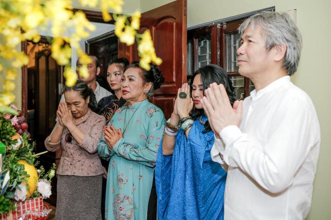 Diva Thanh Lam và bạn trai bác sĩ tổ chức lễ dạm ngõ ấm cúng bên người thân-2