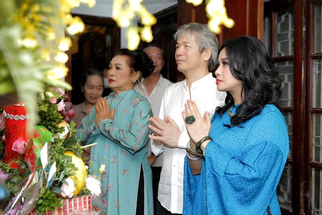 Diva Thanh Lam và bạn trai bác sĩ tổ chức lễ dạm ngõ ấm cúng bên người thân-1