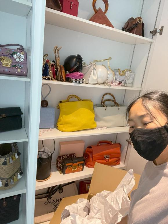 Đoan Trang chuyển gần 200 thùng đồ từ Việt Nam qua nhà mới ở Singapore-12