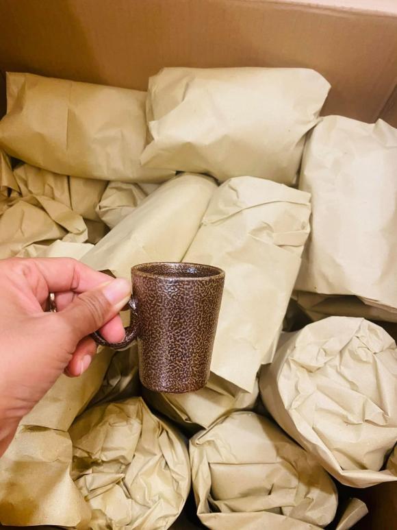 Đoan Trang chuyển gần 200 thùng đồ từ Việt Nam qua nhà mới ở Singapore-15