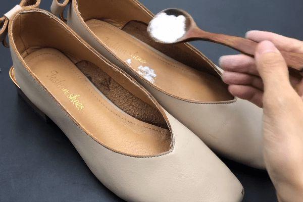 Giày có mùi trong những ngày hè nóng nực? Rắc một ít thứ này lên, giày sẽ không còn mùi sau một ngày-2