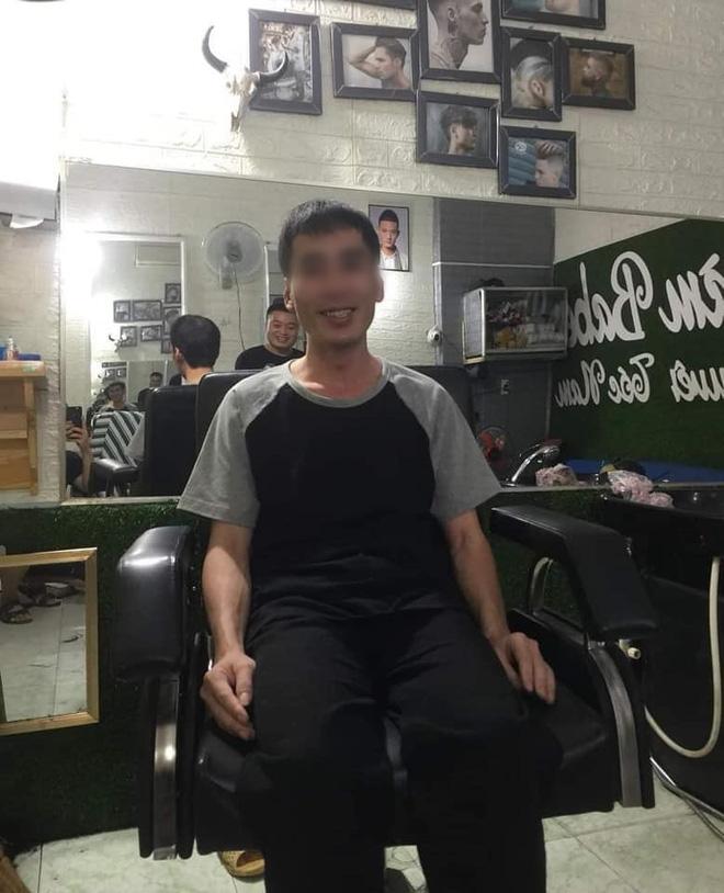 Xôn xao anh chồng bị vợ bỏ, thất nghiệp, ngoại hình tàn tạ bất ngờ lột xác sau khi người lạ đưa đi cắt tóc-3