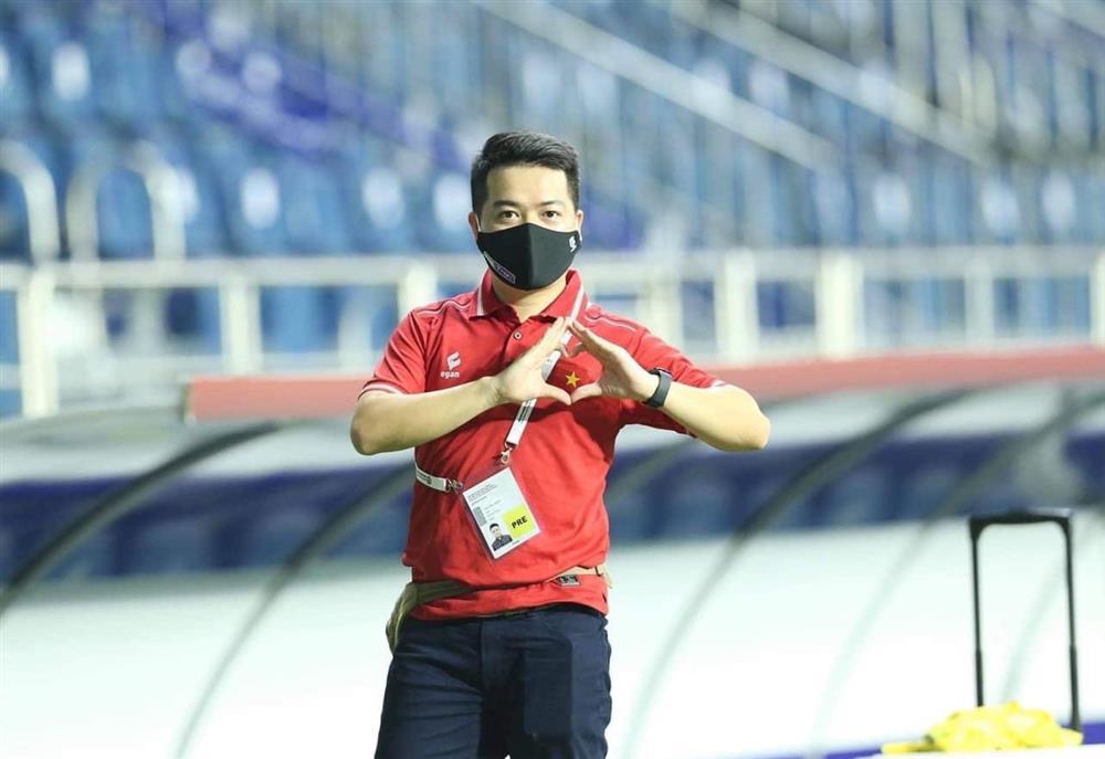 Phóng viên mắc Covid-19 khi đưa tin đội tuyển Việt Nam ở UAE vẫn phải thở oxy-1