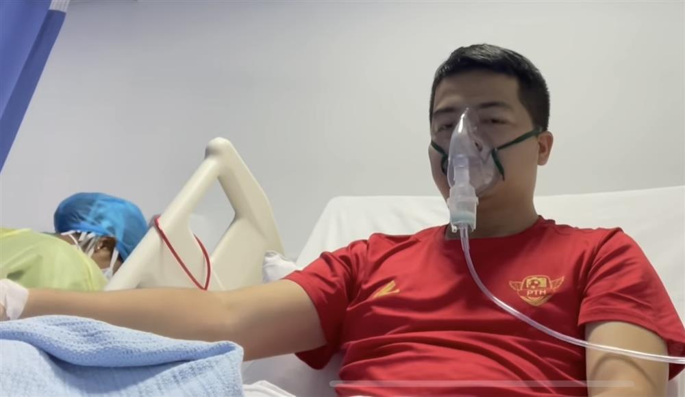 Phóng viên mắc Covid-19 khi đưa tin đội tuyển Việt Nam ở UAE vẫn phải thở oxy-3