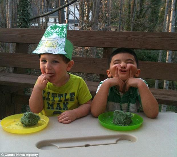 """Vừa ra đời đã bị bác sĩ vô tình làm rơi, bé trai từng được chẩn đoán suốt đời không thể cười"""" gây xúc động với hình ảnh sau 12 năm-2"""