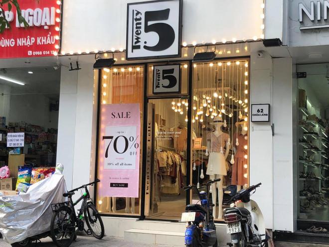 """Các shop quần áo đồng loạt sale sập sàn"""" vẫn vắng người mua-1"""