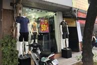"""Các shop quần áo đồng loạt """"sale sập sàn"""" vẫn vắng người mua"""