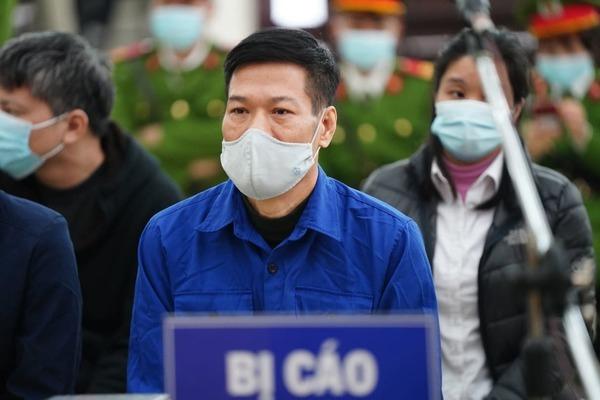 Hai giáo sư xin giảm án cho cựu Giám đốc CDC Hà Nội trong vụ nâng giá thiết bị-1