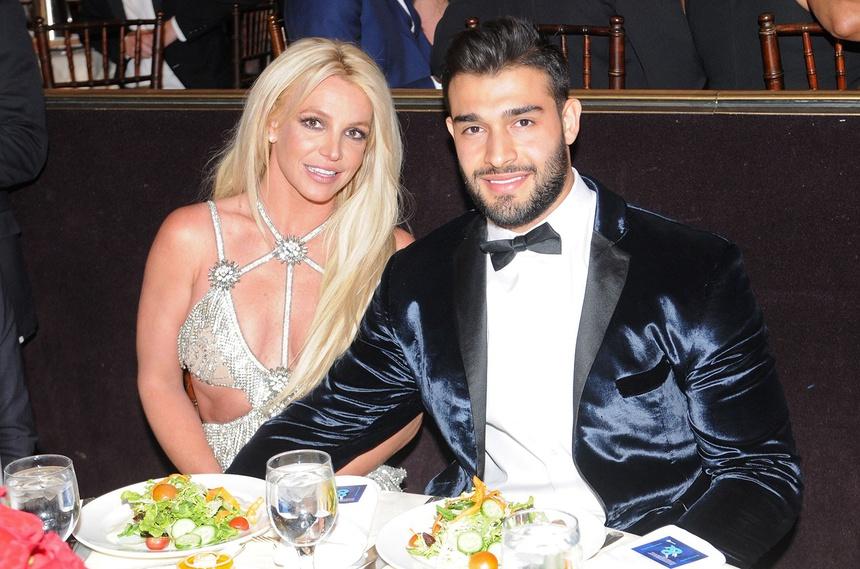 Britney Spears: Tôi sống như nô lệ, bị cấm sinh con-1