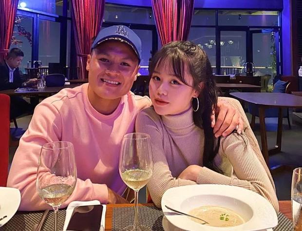 Bồ cũ Quang Hải bỗng xuất hiện giữa ồn ào của cô gái muốn bạn trai cho tiền đầu tư, cũng đòi có 100 - 500 triệu-1