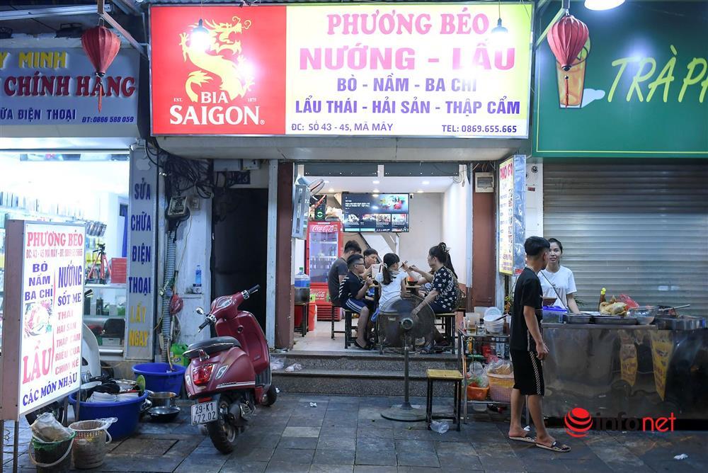 Vừa được nới lỏng, hàng quán phố cổ Hà Nội lại náo nhiệt sau giờ giới nghiêm-1
