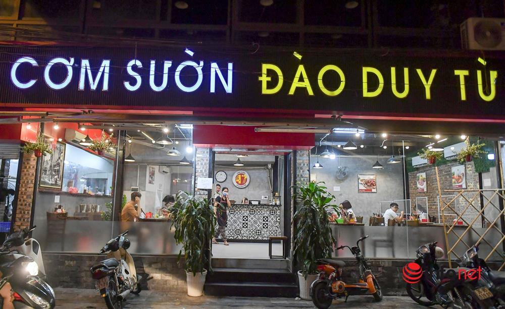 Vừa được nới lỏng, hàng quán phố cổ Hà Nội lại náo nhiệt sau giờ giới nghiêm-4