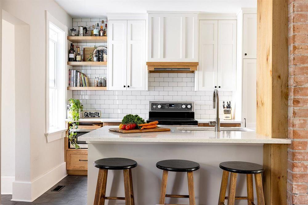 8 mẫu thiết kế đẹp mê cho gian bếp nhỏ, vừa tiết kiệm chi phí nhưng vẫn tiện nghi bất ngờ-6