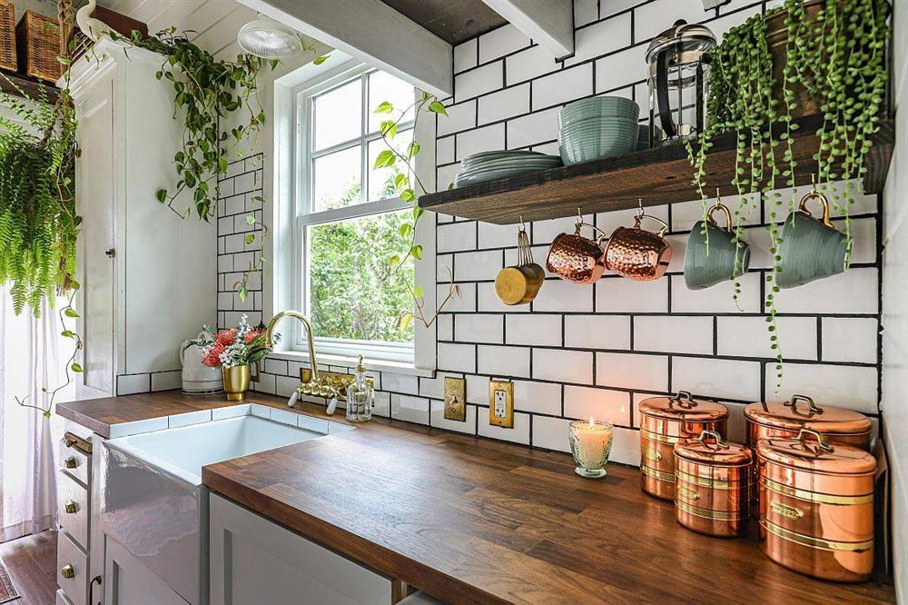 8 mẫu thiết kế đẹp mê cho gian bếp nhỏ, vừa tiết kiệm chi phí nhưng vẫn tiện nghi bất ngờ-7