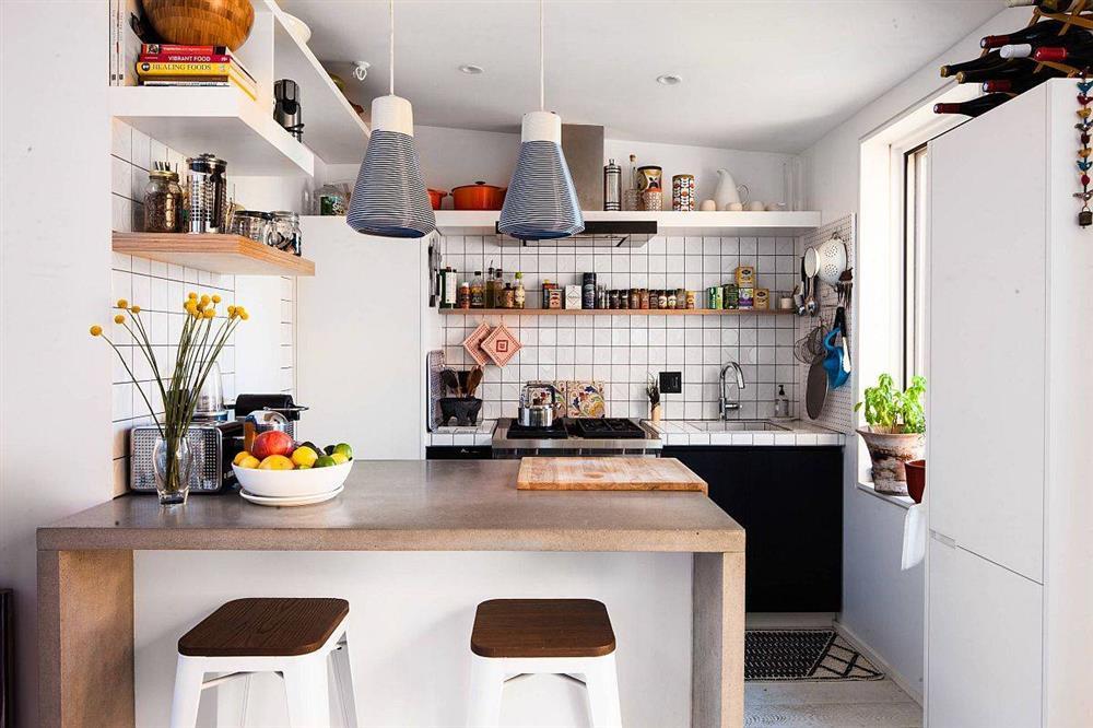 8 mẫu thiết kế đẹp mê cho gian bếp nhỏ, vừa tiết kiệm chi phí nhưng vẫn tiện nghi bất ngờ-12