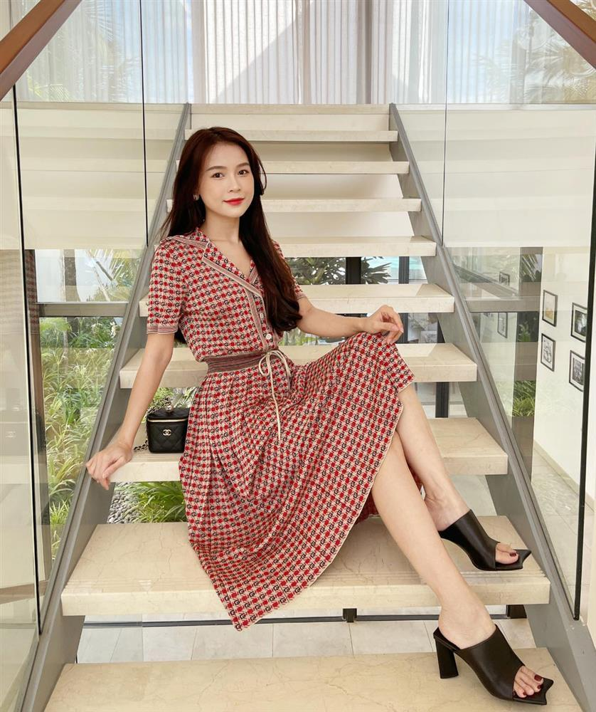 Mỹ nhân Việt check-in tại gia với style hàng hiệu đẳng cấp-8