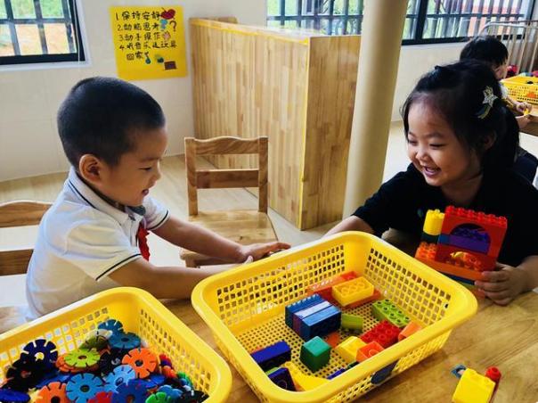 Phản ứng khi bị cướp đồ chơi tiết lộ chỉ số EQ của bé cao hay thấp, cha mẹ cần quan sát để có cách nuôi dạy con phù hợp-1