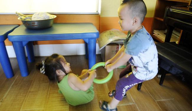 Phản ứng khi bị cướp đồ chơi tiết lộ chỉ số EQ của bé cao hay thấp, cha mẹ cần quan sát để có cách nuôi dạy con phù hợp-2