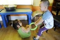 Phản ứng khi bị cướp đồ chơi tiết lộ chỉ số EQ của bé cao hay thấp, cha mẹ cần quan sát để có cách nuôi dạy con phù hợp