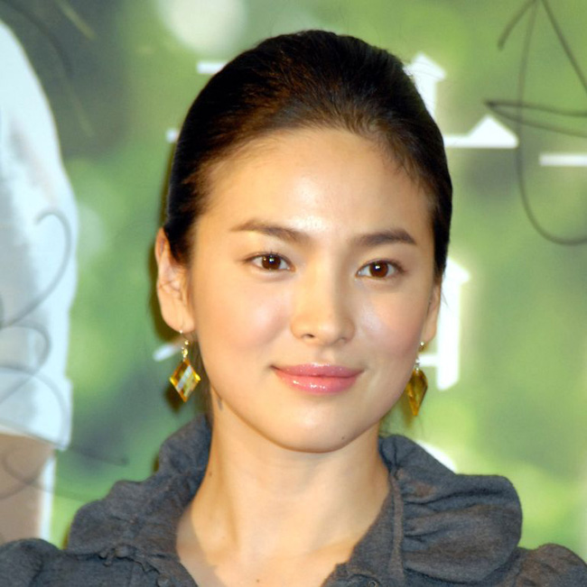 Song Hye Kyo trong 25 năm qua: Đỉnh cao nhan sắc tuổi 39 nhưng vẫn đôi lần bị dìm sắc chỉ vì kiểu tóc tréo ngoe-3
