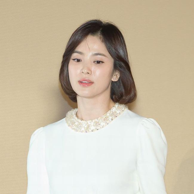 Song Hye Kyo trong 25 năm qua: Đỉnh cao nhan sắc tuổi 39 nhưng vẫn đôi lần bị dìm sắc chỉ vì kiểu tóc tréo ngoe-7